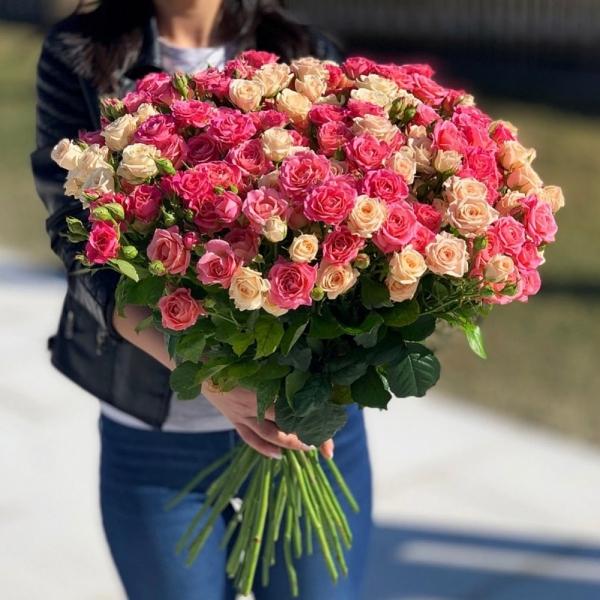 Букет кустовой розы 635