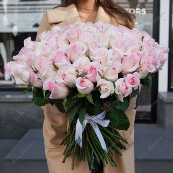 https://floradelivery.ru/images/uploads/thumbs/productImage/1088x1088/n/21/01/21016351.jpg/buket-roz-senorita-101.jpg