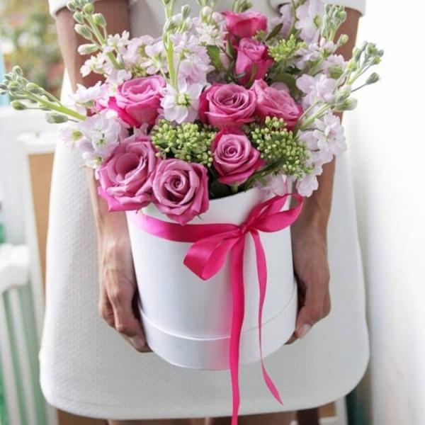 561. Коробочка с цветами